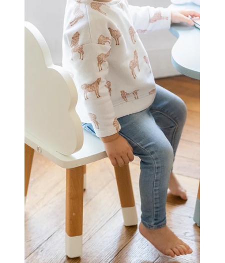 Petite chaise blanche 2 ans