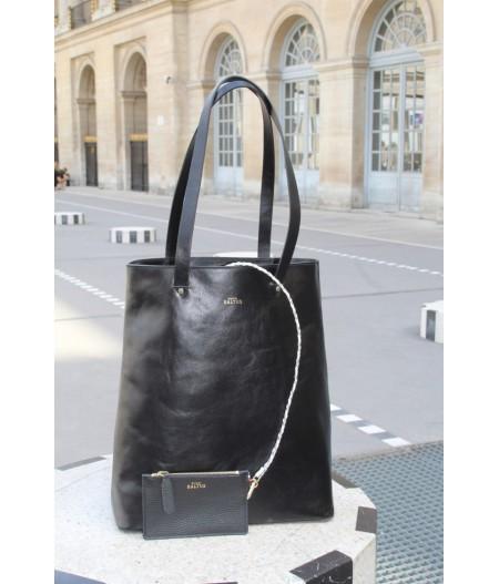Magnifique sac femme en cuir noir fait main