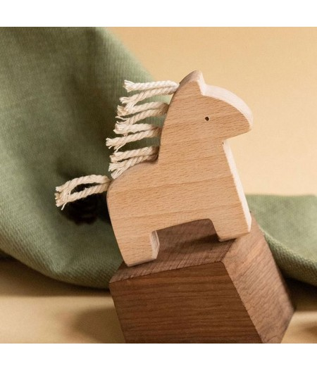 Jouet en bois cheval