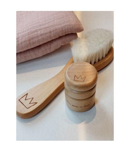 Brosse à cheveux et boite à dents